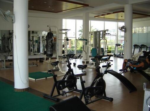 健身房设备
