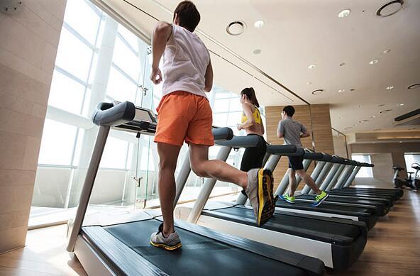 健身房跑步素材图片