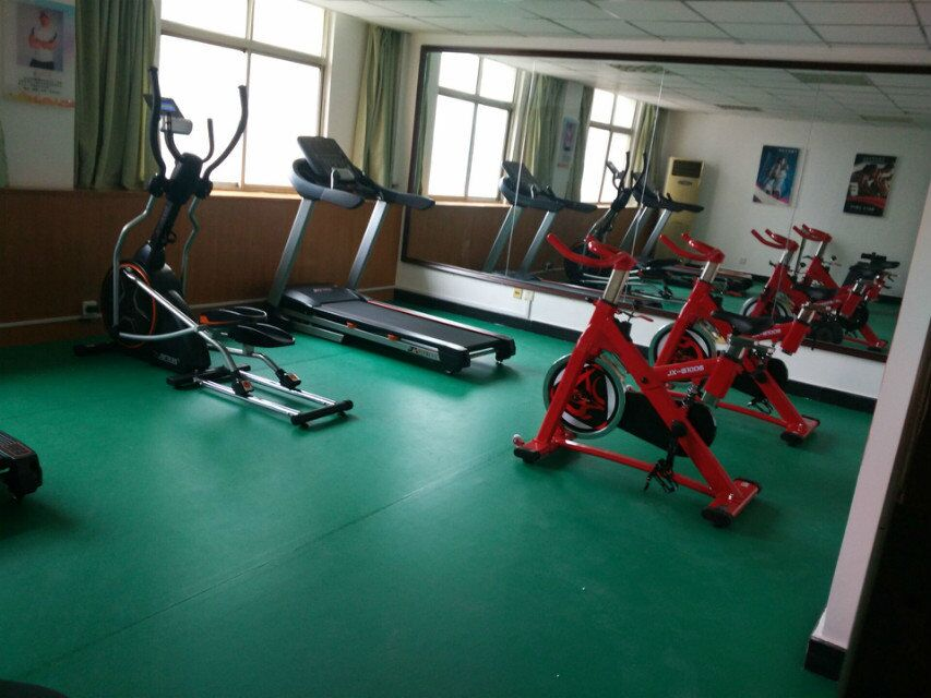 企事业单位健身房实景效果1