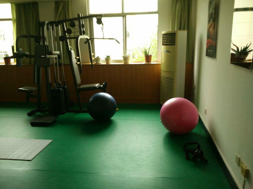 企事业单位健身房实景效果2
