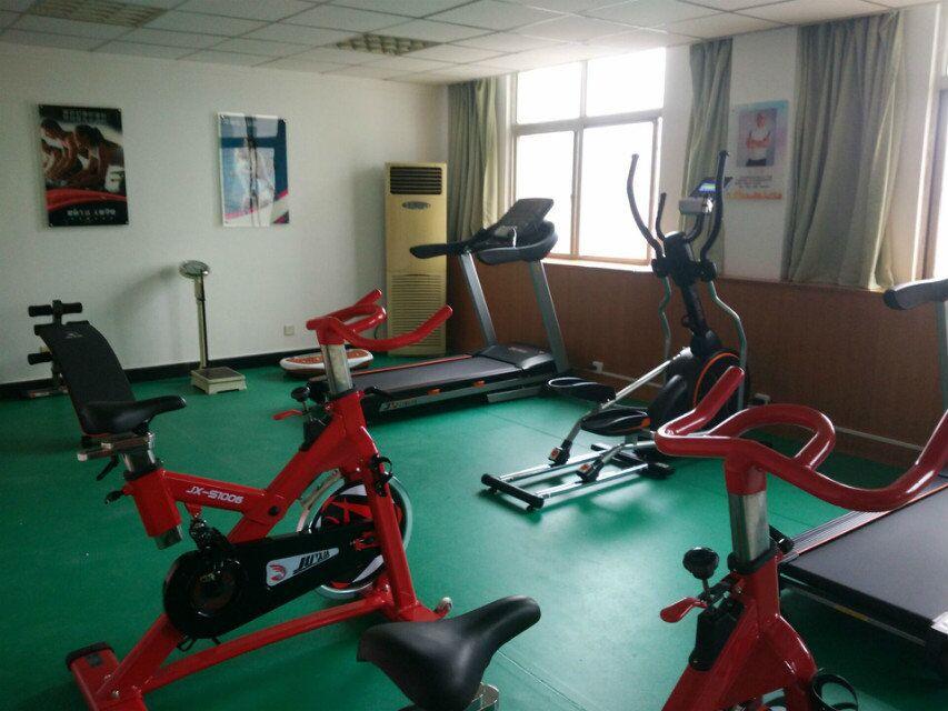 企事业单位健身房实景效果4