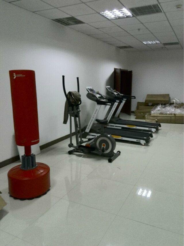 单位健身房