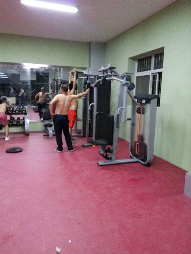 健身房锻炼者