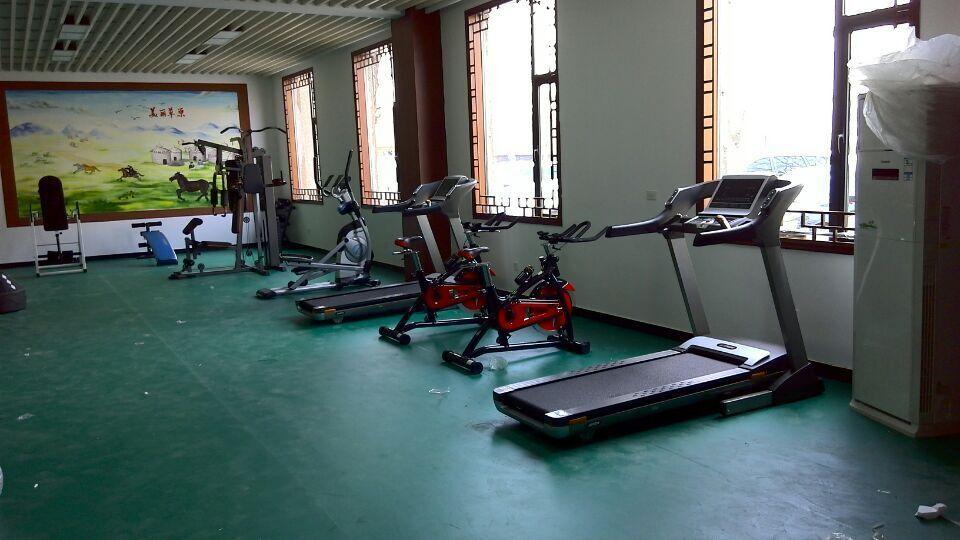 健身器材训练区