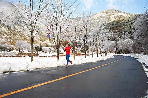 冬天户外跑步